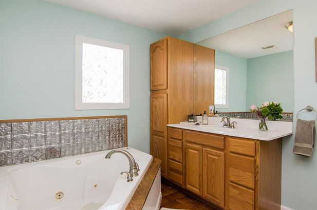3654 Central Street - Photo 15