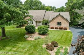 9582 ROLLING GREENS Drive Pinckney, MI 48169 Photo 11