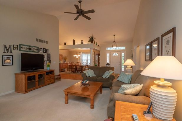 13708 W Quail Hollow Court - Photo 10