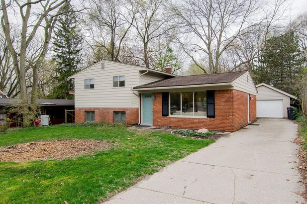 2241 Hilldale Drive Ann Arbor MI 48105