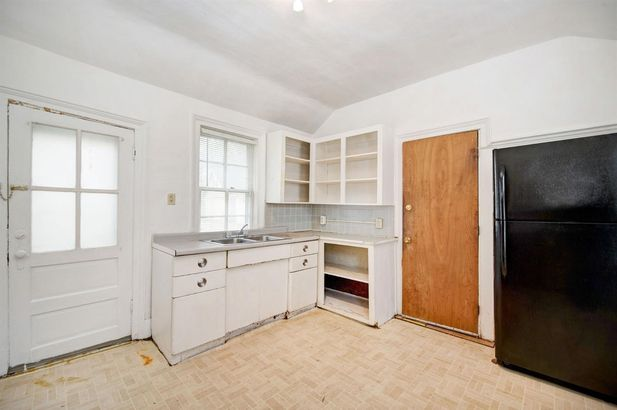 120 E Summit Street - Photo 11