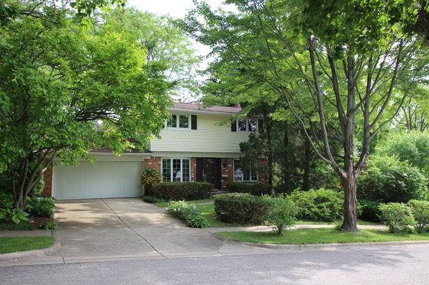 9 Lois Court Ann Arbor MI 48103