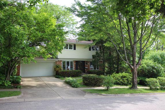 9 Lois Court Ann Arbor, MI 48103