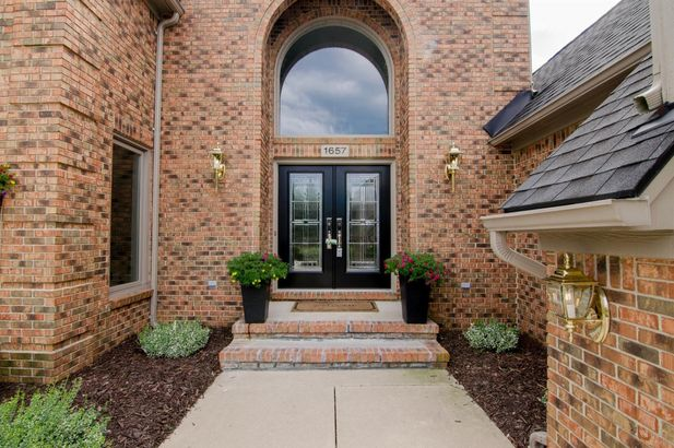 1657 Cypress Pointe Court - Photo 3