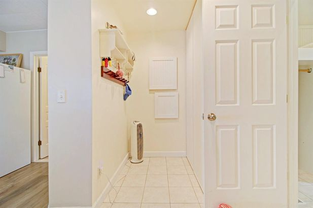 946 Ridge Court - Photo 21