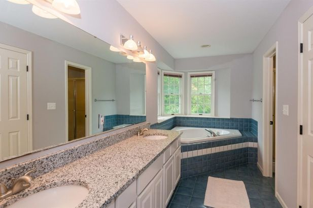9200 Pine Hill Court - Photo 19