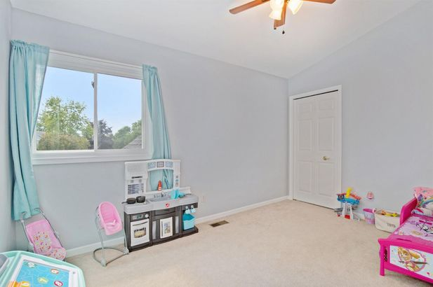 1212 Harwood Circle - Photo 18