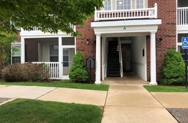 819 E Summerfield Glen Circle Ann Arbor, MI 48103 Photo 9
