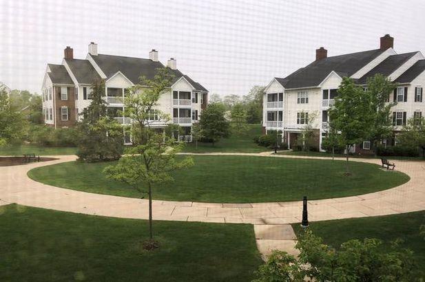 819 E Summerfield Glen Circle - Photo 2