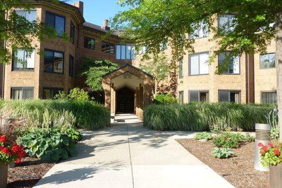 2115 Nature Cove Court #110 Ann Arbor, MI 48104
