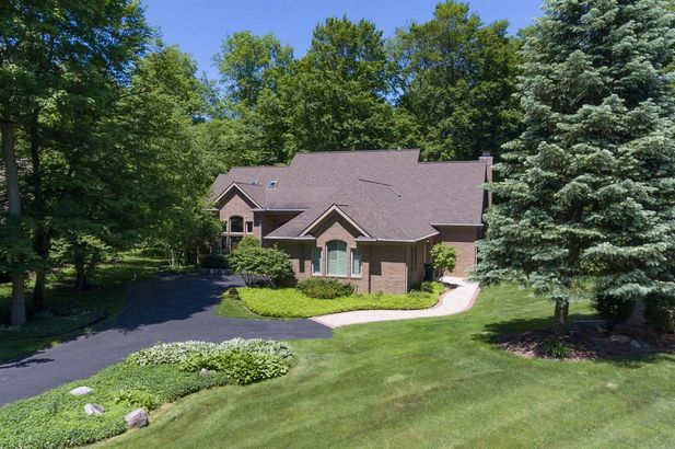 4526 Cross Creek Drive Ann Arbor MI 48108