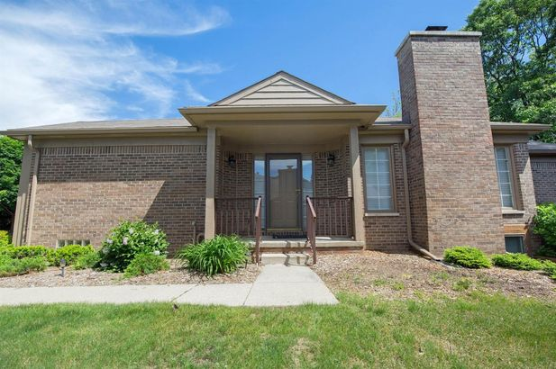 4696 Mulberry Woods Circle - Photo 4