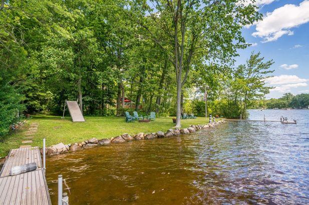 9220 Lakeview Drive - Photo 49