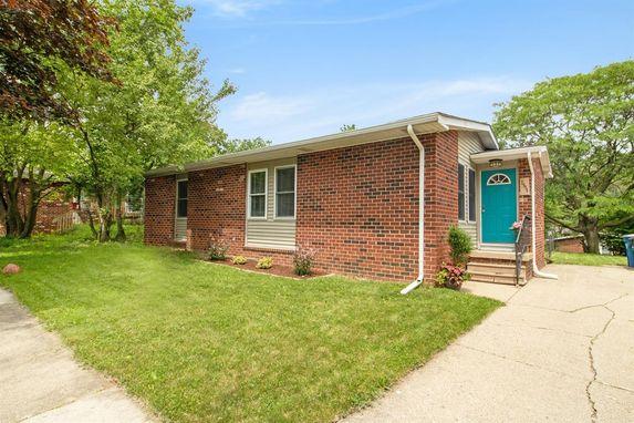 2084 Garden Circle Ann Arbor, MI 48103