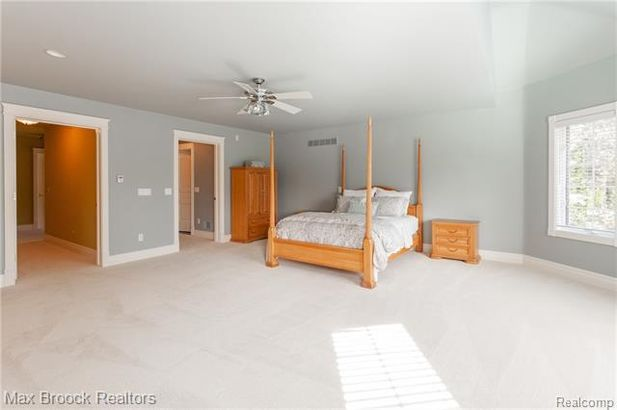 30484 OAKLEAF Lane - Photo 42