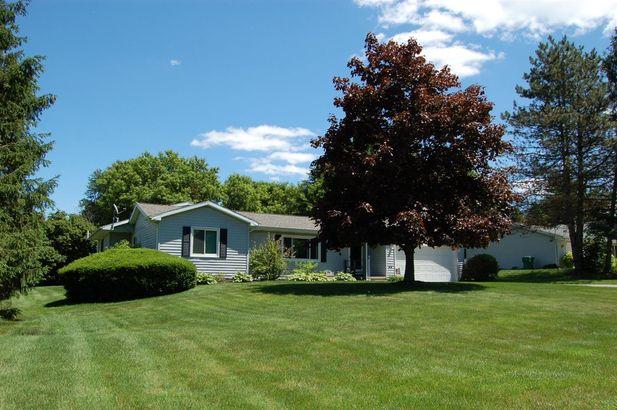 2484 Pine Tree Road Holt MI 48842