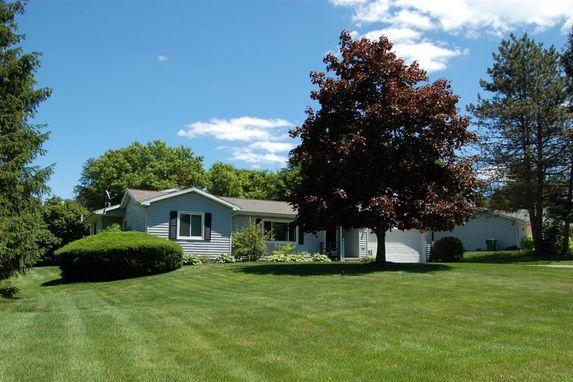 2484 Pine Tree Road Holt, MI 48842