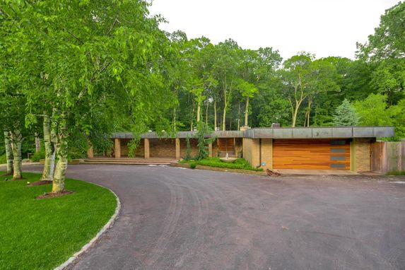 3020 Hunting Valley Drive Ann Arbor, MI 48104