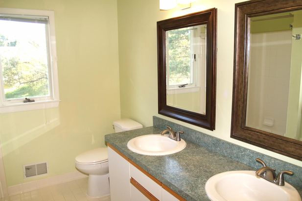 2405 Meadowridge Court - Photo 21