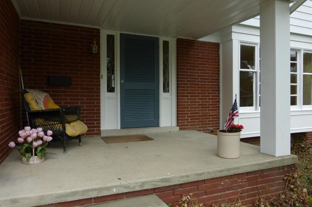 2753 Manchester Road - Photo 2