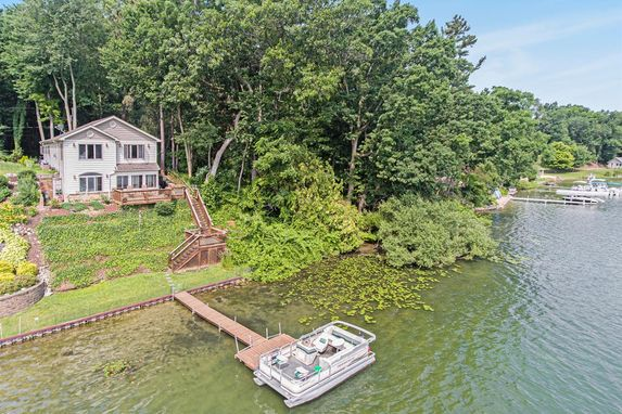 2760 Cozy Cove Grass Lake, MI 49240