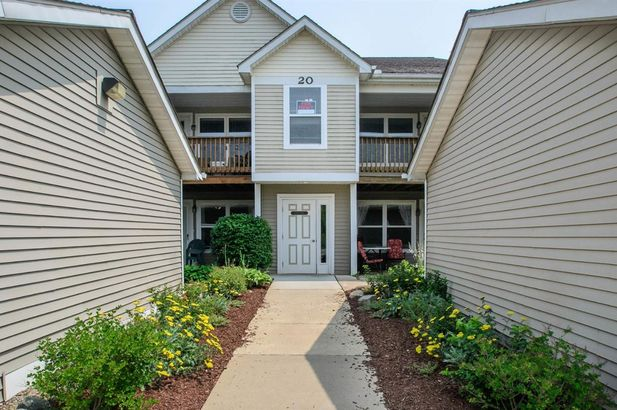 1569 Weatherstone Drive Ann Arbor MI 48108