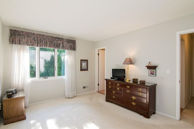 881 Greenhills Drive - Photo 13