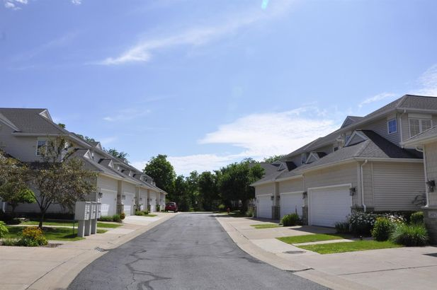2067 Liberty Heights - Photo 37