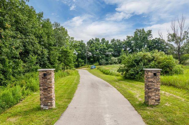 8997 Pleasant Lake Road - Photo 4