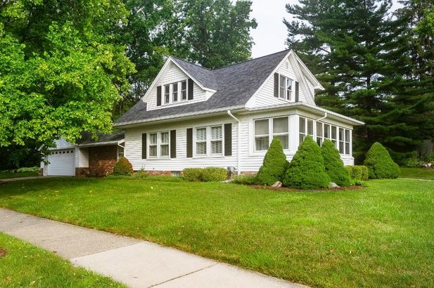 1560 Greenview Drive Ann Arbor MI 48103