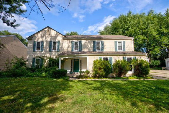 5544 S Piccadilly West Bloomfield, MI 48322
