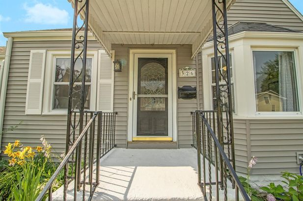 326 Smith Avenue - Photo 3
