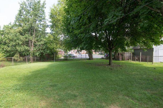1369 Crestwood Avenue - Photo 32