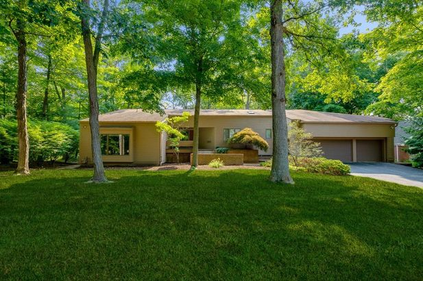3955 Waldenwood Drive Ann Arbor MI 48105