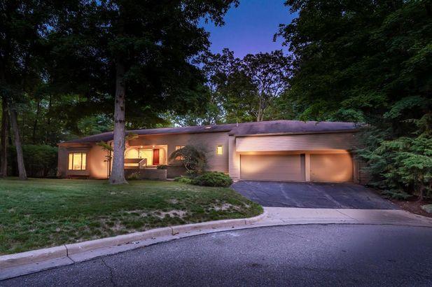 3955 Waldenwood Drive - Photo 42