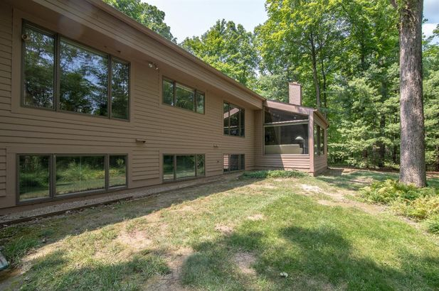 3955 Waldenwood Drive - Photo 44