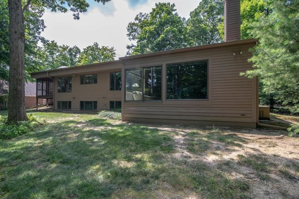 3955 Waldenwood Drive - Photo 48