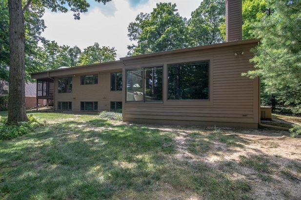 3955 Waldenwood Drive - Photo 48