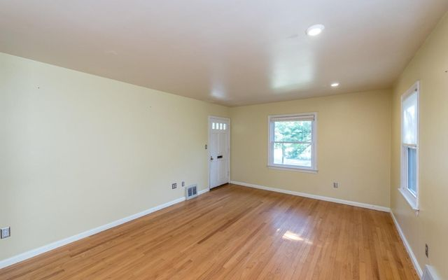 916 Sunnyside Boulevard - photo 3