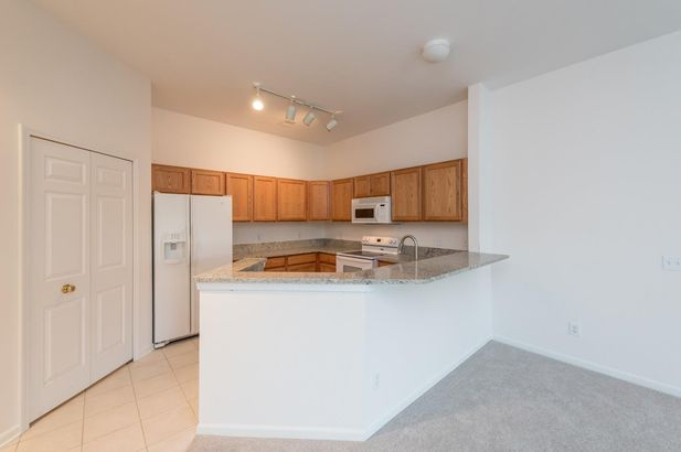 2800 S Knightsbridge Circle - Photo 4