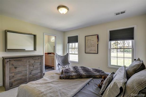 5711 Gregory Road - Photo 30