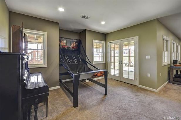 5711 Gregory Road - Photo 39