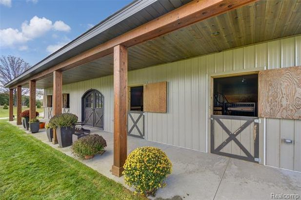 5711 Gregory Road - Photo 67