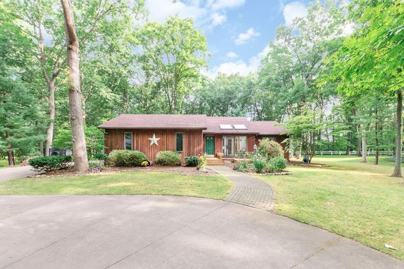 14352 Forest Court Chelsea, MI 48118