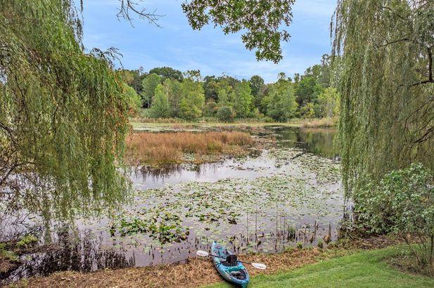 2387 Spring Lake Lane - Photo 4