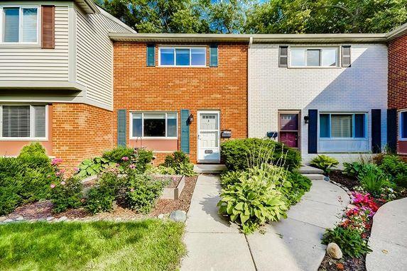 3058 Williamsburg Ann Arbor, MI 48108