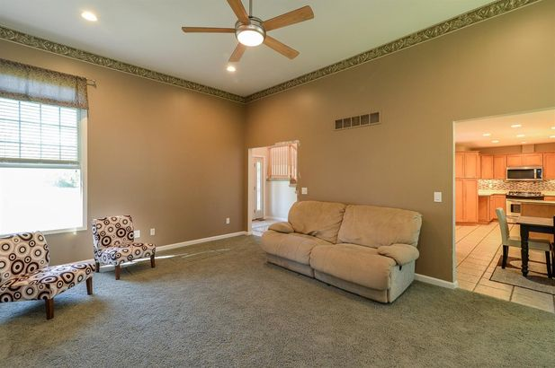 12135 Ridge Highway - Photo 11