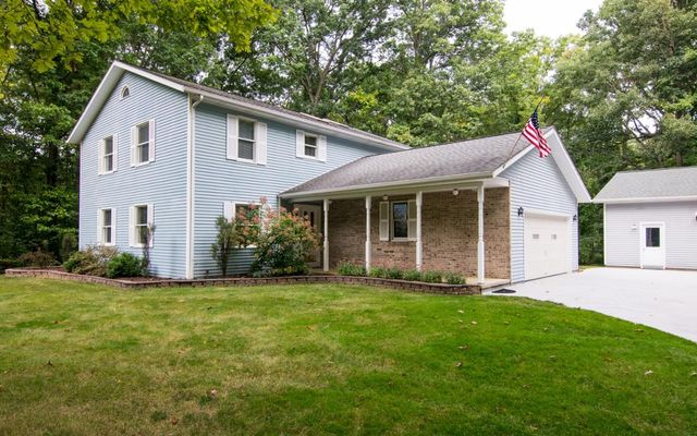 14420 Forest Court Chelsea, MI 48118