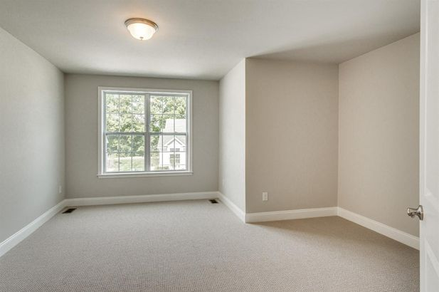 2609 Oxford Circle - Photo 30