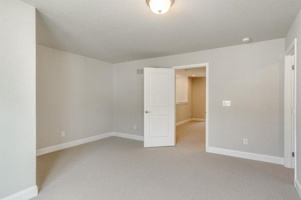 2609 Oxford Circle - Photo 31